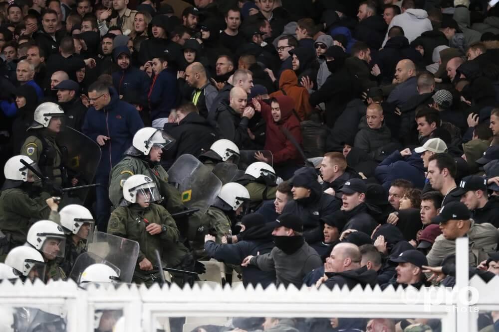 rellen AEK Ajax Griekse politie