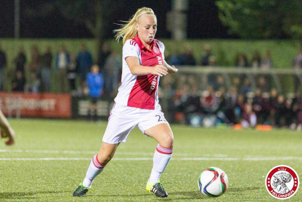 Ajax vrouwen naar kwartfinale in de beker