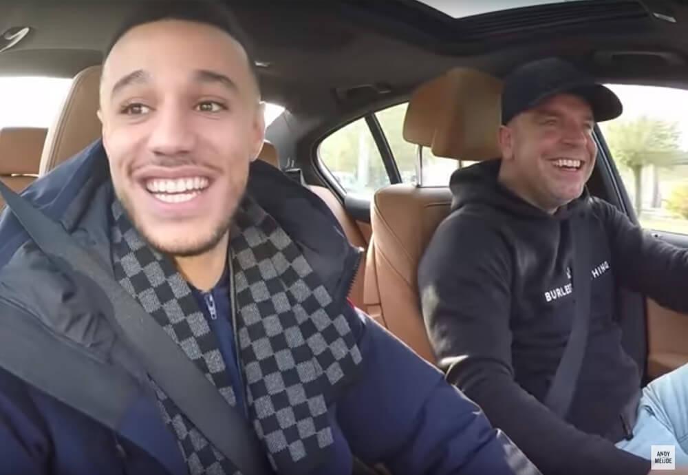Mazraoui bij Andy in de auto