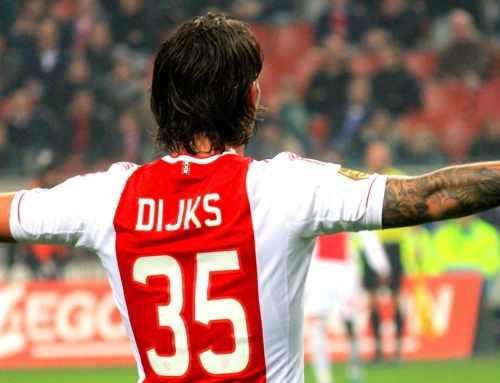 Ajax meldt zich officieel voor Dijks